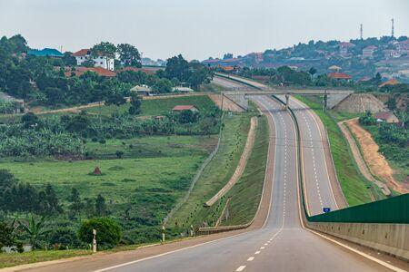 Nuova tangenziale tra Entebbe e Kampala, Uganda novembre 2019 Archivio Fotografico