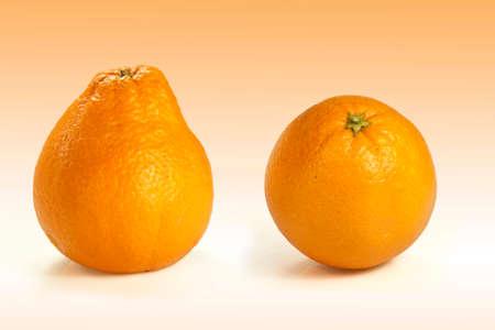 a particular orange deformed like a pear