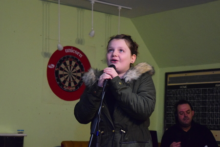 9 year old: 9 year old singer Stock Photo