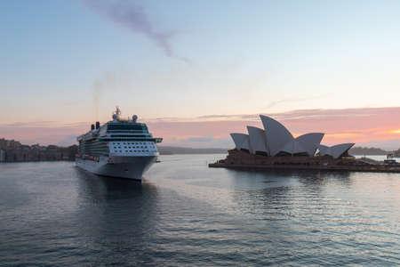 Sydney, Australia - October 20, 2018: Cruise ship coming by the side of Sydney Opera House Standard-Bild - 117315609