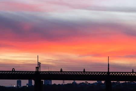 Silhouette of bridge at sunset over Parramatta River, Sydney, Australia. Standard-Bild