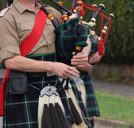 gaita: La reproducci�n de los tradicionales escoceses de la monta�a de las gaitas. Foto de archivo