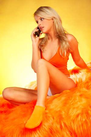 sexy blonde girl: Sexy Blonde dziewczyny z telefonu komórkowego