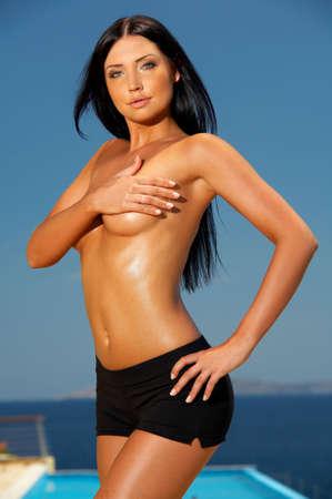 morena sexy: Sexy morena hermosa joven mujer posando en el desgaste de fitness