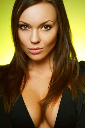 morena sexy: Retrato de joven sexy morena hermosa mujer llevaba bikini negro  Foto de archivo