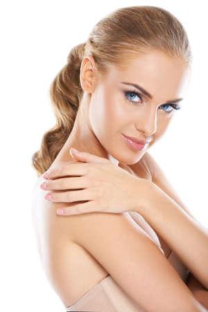 mujer rubia desnuda: La cabeza y los hombros de una mujer hermosa desnuda aislado