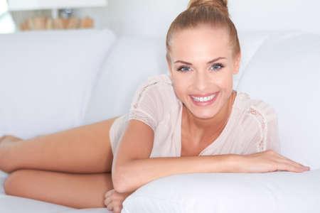 vivacious: Gorgeous woman with a vivacious smile