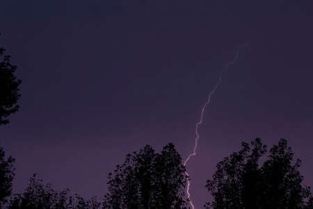 lilla: Great lightning lightning in dark summer lilla sky