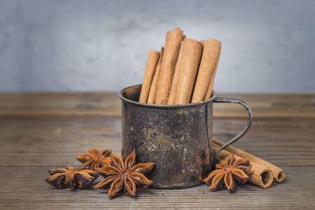anise: Cinnamon and anise