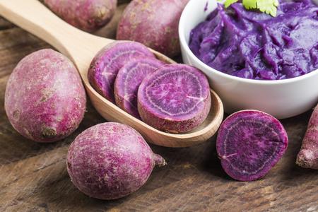 puree van paars zoete aardappel Stockfoto