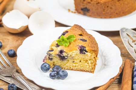 berry: blueberry cake