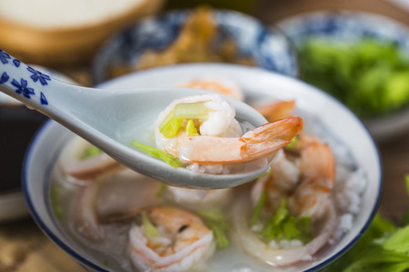 Nutritious and delicious seafood porridge