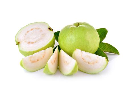 guayaba: Fruta de guayaba fresca en el fondo de madera