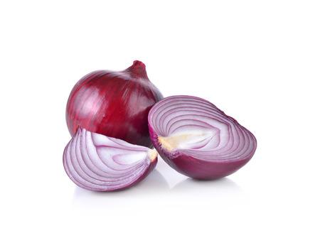 cebolla: Cebolla roja sobre fondo blanco
