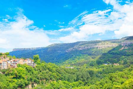 Beautiful view of Tsarevets in the mountains, in Veliko Tirnovo, Bulgaria Standard-Bild