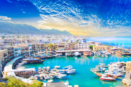 Beautiful view of the Kyrenia Bay in Kyrenia (Girne), North Cyprus 免版税图像 - 92264041