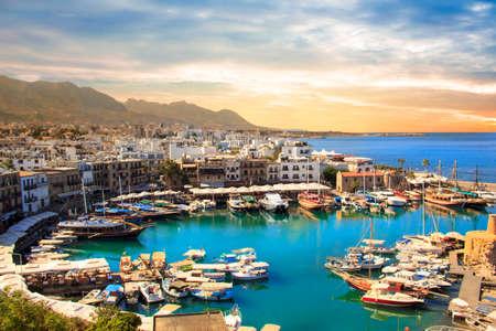 キレニア(ギルネ)のキレニア湾の美しい景色、北キプロス