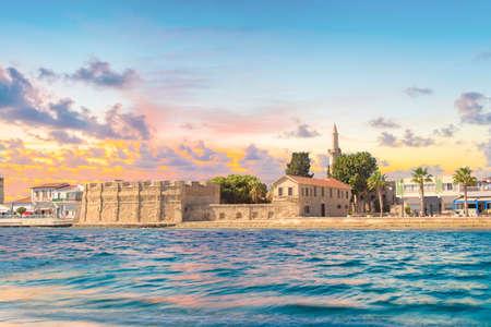 Prachtig uitzicht op het kasteel van Larnaca, op het eiland Cyprus