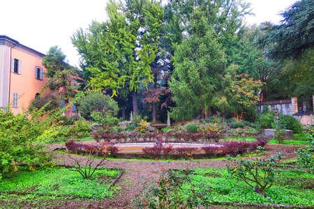 giardino: View of a botanical garden in Pavia, Italy, in autumn