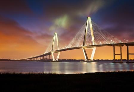 moderne br�cke: Arthur Ravenel Jr Cooper River Suspension Bridge Charleston SC von Patriots Point South Carolina Lizenzfreie Bilder