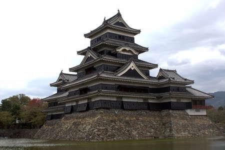 일본 12 대 성 중 하나 인 마쓰모토 성 (松本 城) 에디토리얼