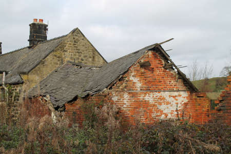 disuse: ruined building