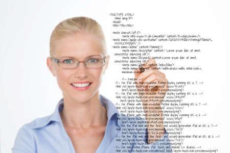 oracion: nordic hermosa chica subrayando una frase en un texto negro