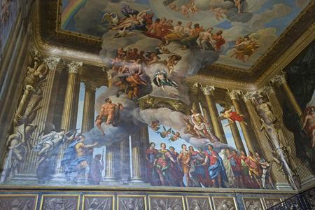 イースト モレシー、イギリス - 2012 年 8 月;ハンプトン コート宮殿の中の絵。