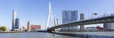 Erasmus Bridge And Skyline Of kop Van Zuid District In Rotterdam, Netherlands 新聞圖片