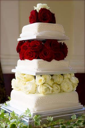 pastel de bodas: Pastel de boda  Foto de archivo