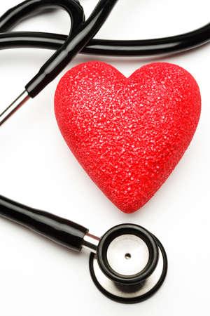 coeur sant�: Stethoscope et c?ur rouge, de la sant�.