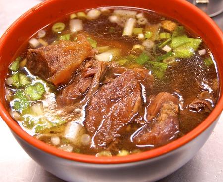 Gestoofde Beef Noodle Soup in Taiwan Stockfoto