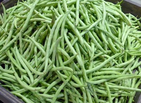runner bean: Fresh snap beans in a basket