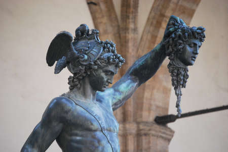 beheading: Perseus with the head of Medusa, after beheading, because she Converted stone anyone who crossed his gaze with hers Stock Photo