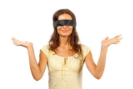ojos vendados: Hombre con los ojos vendados lanza hasta sus manos