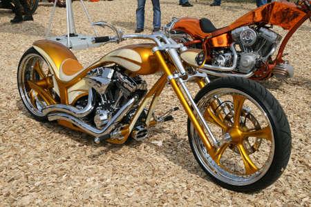 ciclos: FAAKER SEE, AUSTRIA - 11 de septiembre: Semana Europea de la bicicleta de 2009 d�cimo aniversario. El evento m�s grande de Europa de motociclismo para motos Harley Davidson y personalizado.