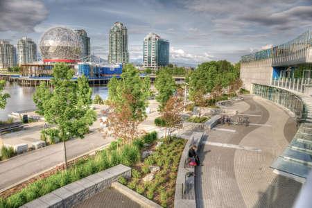 HDR-afbeelding van False Creek, Vancouver, BC, met inbegrip van Science World, Creekside Community Centre en het Olympisch dorp Stockfoto - 33913819