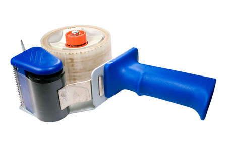 dispensador: Closeup disparo de un dispensador de cinta de embalaje aislado en un fondo blanco. Foto de archivo