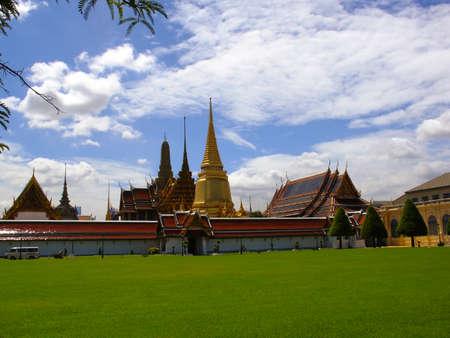 Wat Phra Kaew in Bangkok, the Temple of the Emerald Buddha Stock Photo - 25650840
