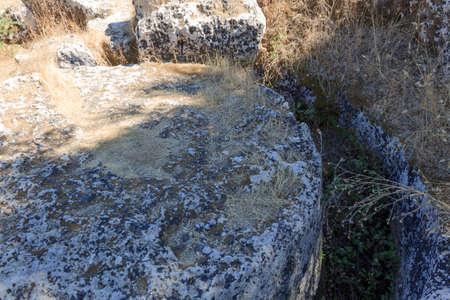 templo griego: Ruina de las columnas del templo griego - Sicilia, Italia