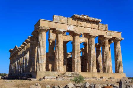 templo griego: Griego templo E en Selinunte en Selinunte - Sicilia, Italia