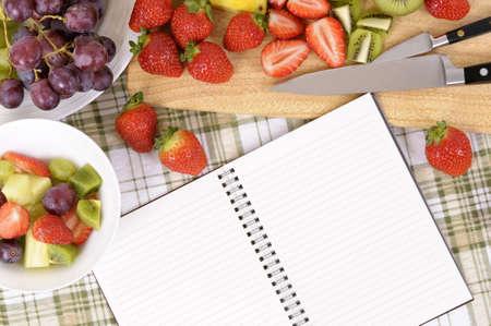 ensalada de frutas: Ensalada de frutas de verano, libro de cocina, espacio de la copia