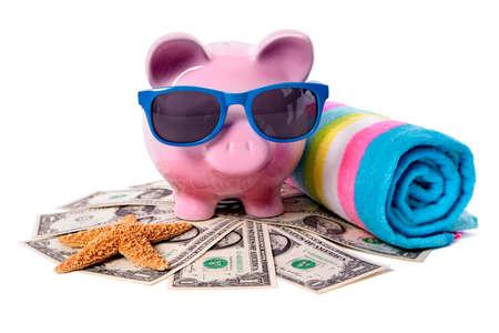 핑크 돼지 저금통 해변 휴일 여행 돈 스톡 콘텐츠