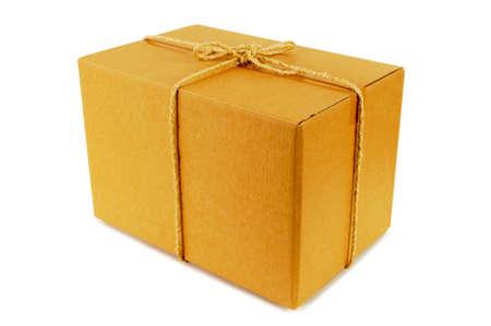 gefesselt: Karton mit einem Seil gefesselt