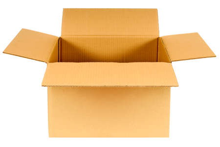 carton: Abra la caja de cartón de color marrón claro en blanco aislado en fondo blanco, copia espacio Foto de archivo