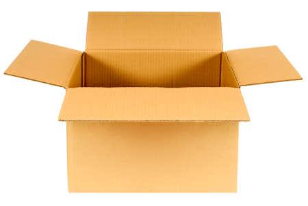 Otwórz zwykły brązowy puste kartonowe pudełko samodzielnie na białym tle, skopiować miejsca