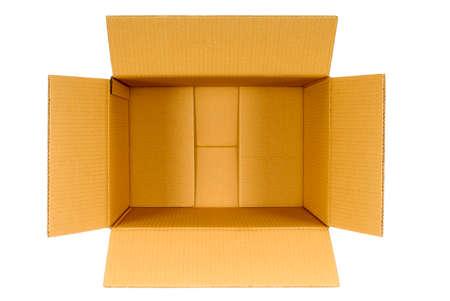 Bovenaanzicht van een open vlakte bruine lege lege kartonnen doos op een witte achtergrond, kopieer ruimte