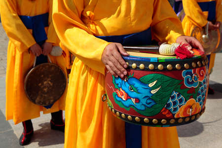royal guard: Seoul, South Korea, traditional changing of the royal guard drum ceremony