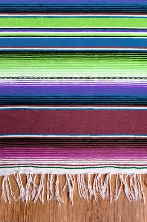 墨西哥cinco de mayo传统墨西哥serape地毯或毯子背景
