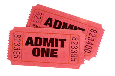 Due rossi ammettono un biglietto per il cinema retrò isolato